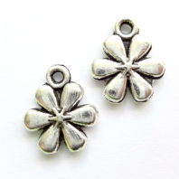 20 Tibetan Silver 11x13mm Flower Charms